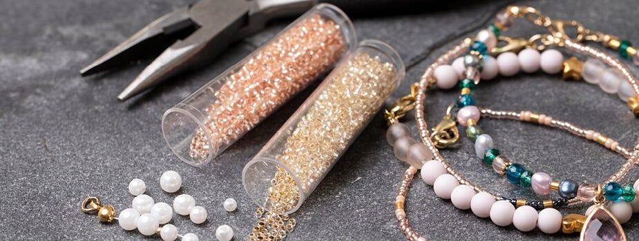 Kralen en onderdelen voor sieraden maken