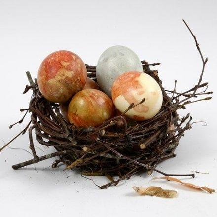 Eieren gekleurd met ui