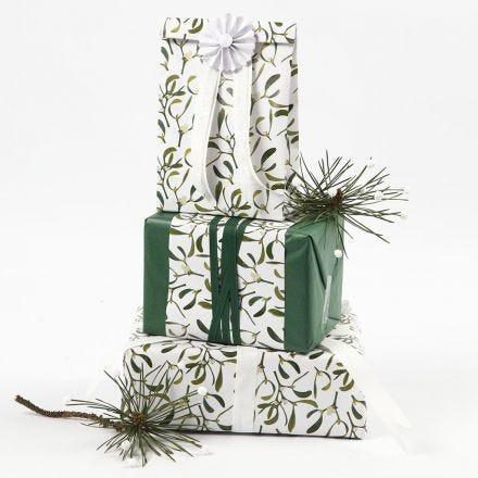 Cadeaus inpakken met tissuepapier en Vivi Gade Design papier