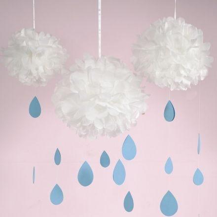 Pom-pom wolk met regendruppels van karton