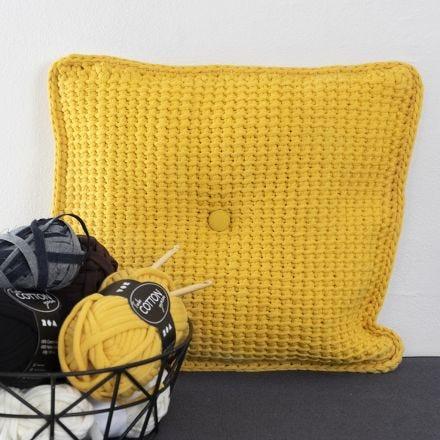 Tunisch gehaakt kussens van textielgaren