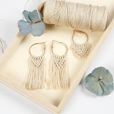 Ronde oorbellen met kralen en macramé hangers