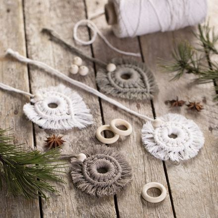 Macramé hanging decorations with beads