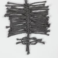 How to tie macramé feathers with square knots