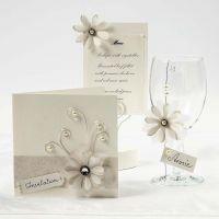 Crèmekleurige kaarten met vellum bloemen