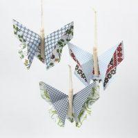 Een origami vlinder gemaakt van Vivi Gade Design Papier