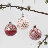 Kerstballen met decoupage in rood en wit