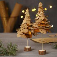 Kerstbomen van geponst Faux Leather papier in lagen