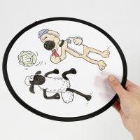 Shaun het Schaap frisbee gekleurd met textielstiften