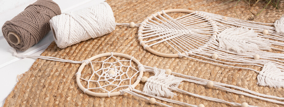 Techniques with macrame